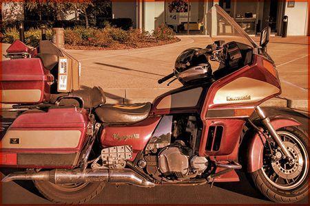 Réparation et rembourrage de siège de moto à Joliette - Réparation d'intérieur de voiture à Joliette